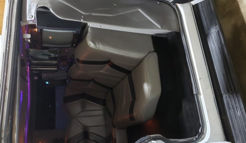 2002 Ford Excursion 200″ 5th door full