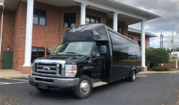 Global Motor Coach Present this 2014 Ford E450 Limo Bus full