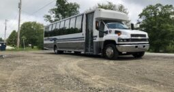 Global Motor Coach Presents this 2007 GMC 5500 Limo Bus