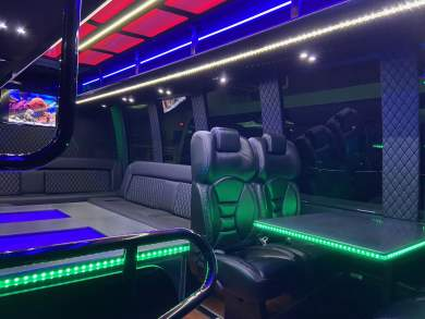 Global Motor Coach Presents this 2014 Ford E450 Limo Bus full